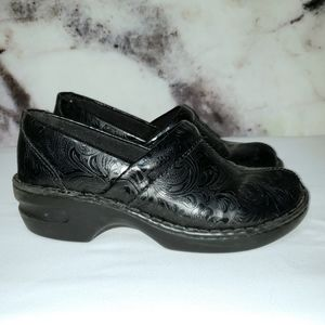 Thom McAn Toronto black leather Clogs size 9.5